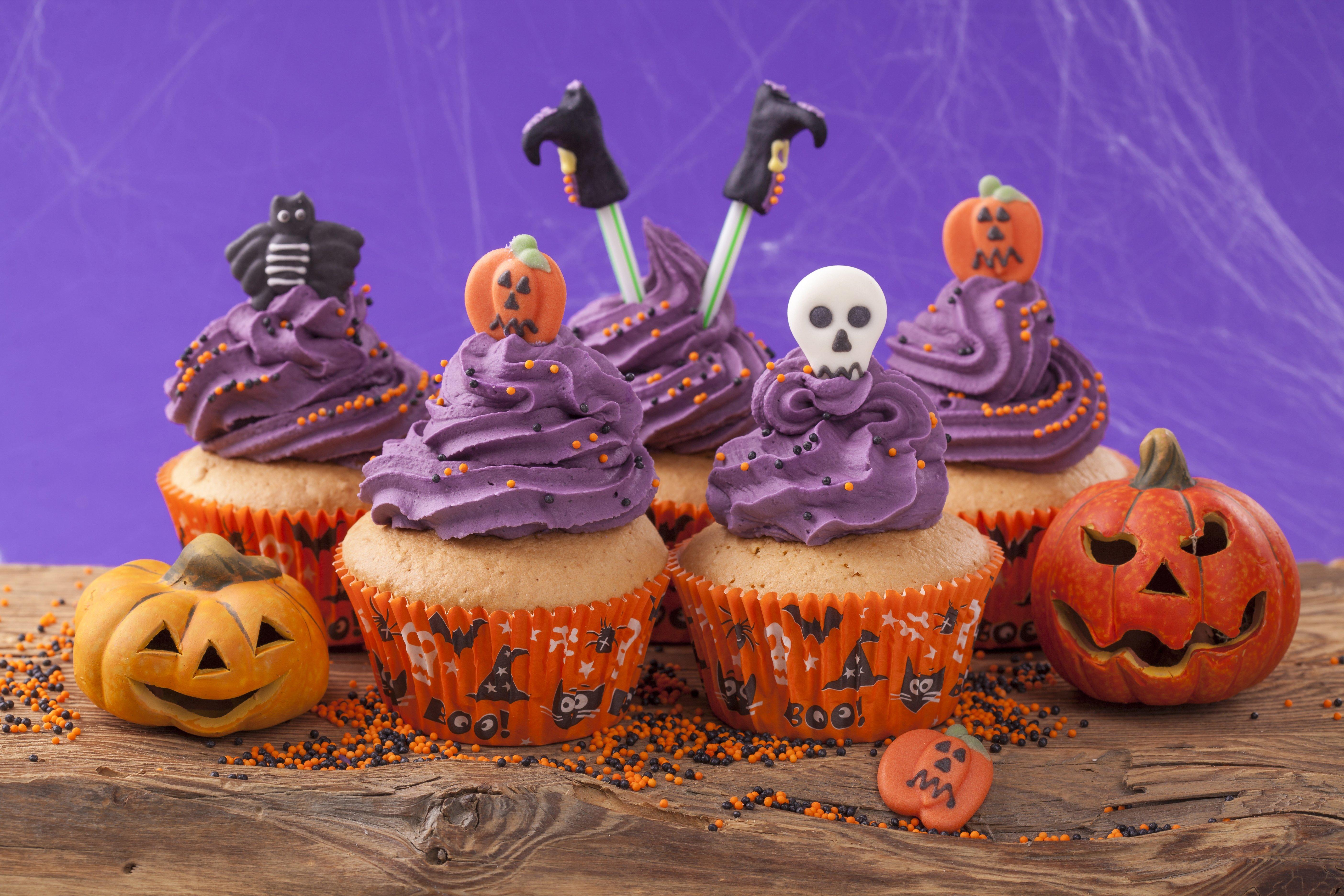 Halloween cupcake picker halloween party tipps und dekoration von - Halloween muffins deko ...